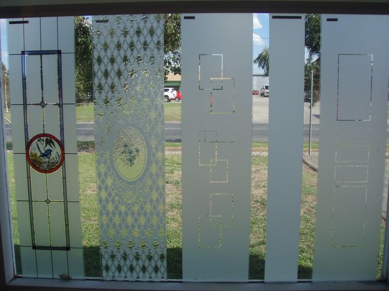 pakenham glass gallery   glass and shower screens